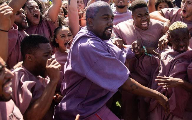 Ritmo, transe e axé: Kanye West e o Sunday Service